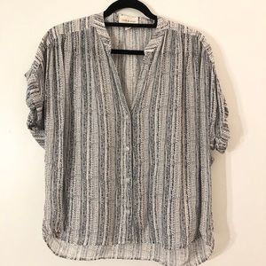 Anthropologie cloth and stone blouse size medium